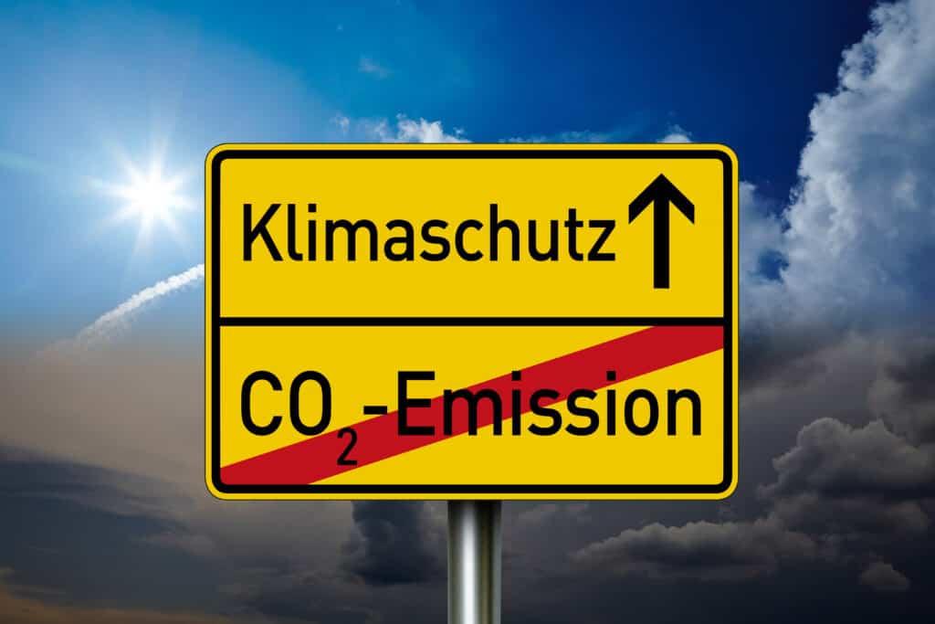 Klimaschutz starten - CO2-Emission beenden - mit Solarenergie